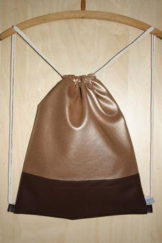Turnbeutel/Gymbag/Stringbag/Rucksack/Backpack in gold und braun aus der neuen Herbstkollektion von To the Stitches!
