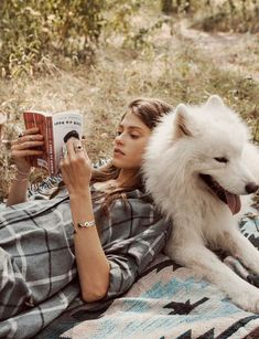 Dogs and books go hand in hand.