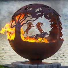 Лошади - сфера 6/92 (огненный шар) стальной шар кострище на дачный участок костер в виде шара купить железный очаг от Меллисы Крипс огненный дизайн ланшафта от Меллисы Крипс железный шар с огнем   piroclub.ru