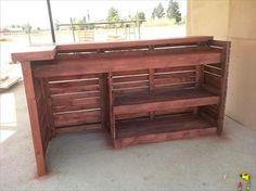 Recycled Wooden Pallet Bar | 99 Pallets