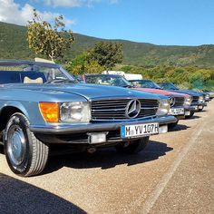Which one would you choose? (Mercedes-Benz R107 280SL & 300SL) | Nostalgic Classic Car Travel