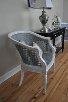 paint the cane chairs gray and white - love it!
