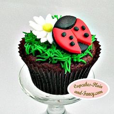Lady Bug Cupcake @Traci Puk Paga here's another take of grass.