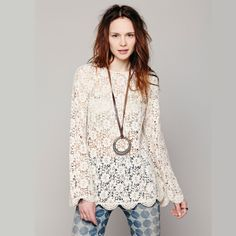 Cutout sleeve length lace shirt o-neck hook needle lace woven pattern sweep the back buttons haoduoyi