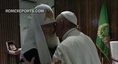 ¡El abrazo entre el Papa Francisco y el Patriarca de Moscú!