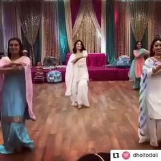 Indian Bridesmaid Sangeet Performance Choreographed by Anusha Wedding Choreography Indian Wedding Songs, Indian Wedding Bridesmaids, Best Wedding Dance, Wedding Dance Video, Best Friend Wedding, Indian Wedding Outfits, Indian Weddings, Party Wedding, Indian Wedding Night