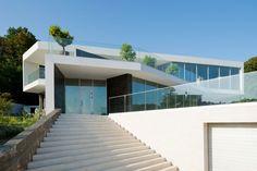 Spacious Contemporary Home by Alexandra Fedorova (5)