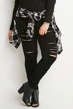 Women Jeans Rock Revival **** CLICK Visit link above for more options Hipster Grunge, Hipster Fashion, Grunge Fashion, Mens Fashion, Fashion 2018, Womens Ripped Jeans, Black Ripped Jeans, Black Skinnies, Plus Size Grunge