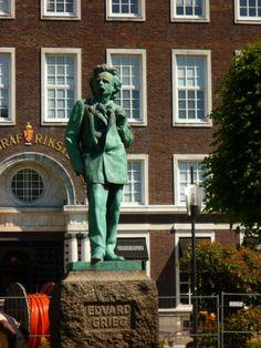 Edvard Grieg statue in Bergen