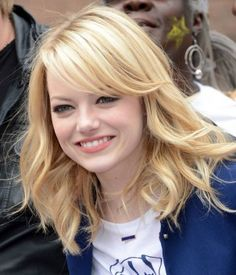 Which hairstyles best suit a round face? I pick the best and worst hairstyles for round face shapes. These won't make your face appear rounder.: Mila Kunis Hair: Long, Straight Hair is Very Flattering on a Round Face Bangs For Round Face, Round Face Haircuts, Hairstyles For Round Faces, Cool Haircuts, Hairstyles With Bangs, Cool Hairstyles, Bang Haircuts, Layered Hairstyles, Short Haircuts