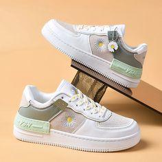 Sneakers Mode, Sneakers Fashion, Fashion Shoes, Nike Air Shoes, Adidas Shoes, Aesthetic Shoes, Hype Shoes, Girls Shoes, Shoes Women