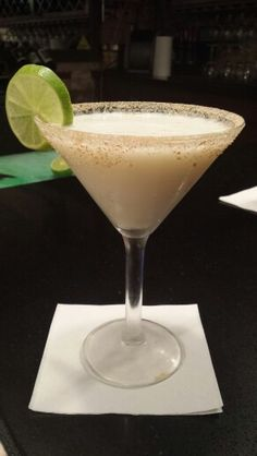:) a 'slice' of key lime pie ... in a martini, yuuuuummm.... antie pastas, nacogdoches ... photo by rebecca martin