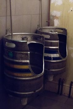 Framptons Bar in Tunbridge Wells is full of fun raw interior design charm. Phoebe Oldrey from Smartstyle Interiors got to look around and learn a bit of the history of the place which was once a bank but is now a cafe bar. How about these Beer barrels as the urinals in the Men's bathroom.