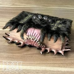 The Monster Book of Monsters from Harry Potter ✨ DIY if you follow the link ✨