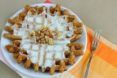 Healthy Carrot Cake Waffles: 3 pts plus per waffle (without frosting). (Recipe is for waffles and optional topping. Healthy Waffles, Healthy Breakfast Recipes, Breakfast Ideas, Healthy Breakfasts, Breakfast Time, Waffle Recipes, Vegan Recipes, Cooking Recipes, Healthy Carrot Cakes