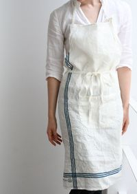 Apron Farm Fashion, Staff Uniforms, Gardening Apron, Sewing Aprons, Aprons Vintage, Pinafore Dress, Photo Accessories, Layered Look, Linen Fabric