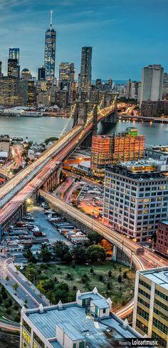 The City Loop Brooklyn Bridge, New York, USA | Follow us on https://www.pinterest.com/FLDesignerGuide/honeymoons-to-north-america/