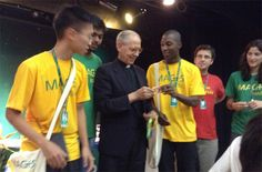 """Superior General of the Jesuits encourages youth to be """"Ignatian people"""" 