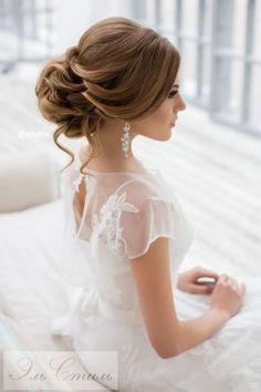 Long Wedding Hairstyles from Elstile / http://www.himisspuff.com/long-wedding-hairstyles-from-elstile/9/