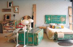 L'estoc, taller-showroom en Poblenou Cheap New Balance, Cribs, Corner Desk, Barcelona, Sweet Home, Ideas, Bed, House, Furniture