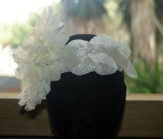 Tocado de flor y hojas de tela. ArtJoana.com