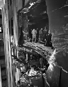 Bomber Rammed Into Empire State Building. A view of the hole rammed into the and stories of the Empire State Building by a U. Army Bomber flying in the fog. Part of the wreckage hangs from the story, New York, New York, July © Bettmann World Trade Center, Vintage Pictures, Old Pictures, Old Photos, Empire State Building, Vintage Photography, White Photography, Weegee Photography, Photo New York
