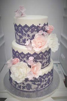 Purppurahelmi: Hääkakku violetilla pitsillä ja hempeillä kukilla Cake, Desserts, Food, Tailgate Desserts, Deserts, Mudpie, Meals, Dessert, Yemek