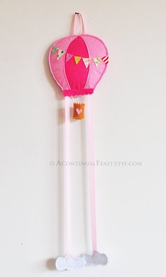 Hot Balloon Bow Holder in Sweet Pink by AContinualFeast on Etsy, $18.00