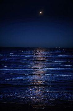 Mer de nuit midnight blue