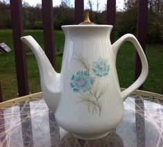 Taylor Smith Taylor Ever Yours Boutonnaire tea pot with lid