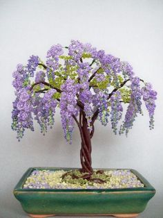 beaded tree by Chanoir. Beaded Crafts, Beaded Ornaments, Wire Crafts, Bonsai Wire, Wire Tree Sculpture, French Beaded Flowers, Crystal Tree, Miniature Trees, Wire Trees