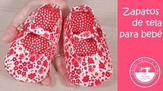 Baby Shoes Pattern, Shoe Pattern, Baby Room Paintings, Baby Poncho, Unisex Baby Shower, Baby Clothes Patterns, Baby Sewing, Baby Quilts, Dressmaking