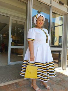 Xhosa Attire, African Attire, South African Traditional Dresses, African Fashion, Fashion Women, African Dresses For Women, Traditional Clothes, African Design, African Prints