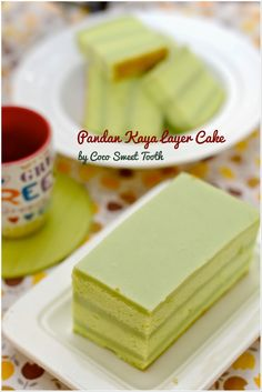Coco's Sweet Tooth: Pandan Kaya Layer Cake Thematic cakes fro different occassions: baby showers Pudding Desserts, Pudding Cake, Pandan Layer Cake, Layer Cakes, Cake Cookies, Cupcake Cakes, Food Cakes, Cup Cakes, Baking Recipes