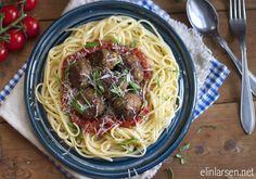 Pasta og italienske kjøttboller i tomatsaus | Elin LarsenElin Larsen