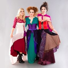 Grab your main witches and turn the Sanderson sisters into the most epic girl Hocus Pocus group costume! Hocus Pocus Halloween Costumes, Witch Costumes, Homemade Halloween Costumes, Diy Costumes, Adult Costumes, Halloween Ideas, Costume Ideas, Halloween Party, Zombie Costumes