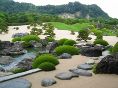 """If we can't get plants we can always do this!!! """"Adachi Museum Japanese Garden"""" 足立美術館 日本庭園 島根"""