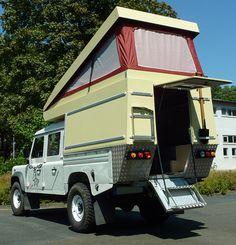 Absetz residential cabin for pickup in self-construction Land Rover Defender, Defender Camper, Defender 130, Pickup Camping, Camping Car, Custom Campers, Cool Campers, Diy Camper, Truck Camper