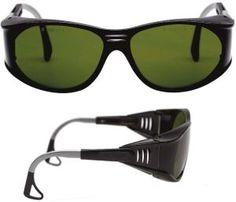 Ochelari de protectie pentru sudura, cu lentile din policarbonat, ce elimina razele UV, reduc nivelul razelor IR si asigura confortul perfect al ochilor prin controlul luminii vizibile. Sunglasses, Products, Eyewear, Beauty Products, Gadget, Eyeglasses
