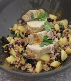 Filet mignon de porc au curry, riz sauté aux pommes et raisins secs | On Dine chez Nanou