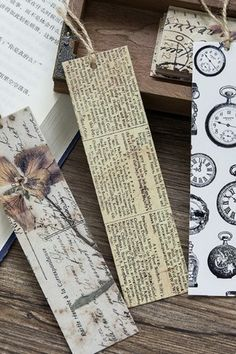 This is super cute bookmarks - Material: paper - Approx. x each - 30 bookmarks as a set Vintage Bookmarks, Bookmarks For Books, Creative Bookmarks, Custom Bookmarks, Paper Bookmarks, Bookmark Ideas, Bookmark Craft, Diy Arts And Crafts, Xmas Crafts