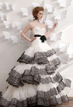 51 Super Elegant Black And White Wedding Dresses | HappyWedd.com
