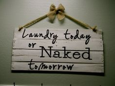 Little Bit of Paint: Pallet Signs @Amanda Snelson help me make this for my laundry room!