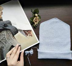 Нежнее и легче перышка💙 . Небесно-голубая💙 . ⤵ 100% мягчайший итальянский кашемир  #loropiano #lpcashmere ⤵ 100% сделано вручную и с… Easy Knitting, Couture Facile