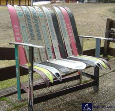 Upcycled ski bench. LOVE!, now I'm going to be buying old ski's at garage sales..lol