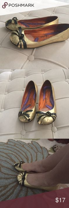 816d6e0ea201 Irregular Choice flats Gold Irregular Choice ballet flats w  knot   tassel  embellishments. Size