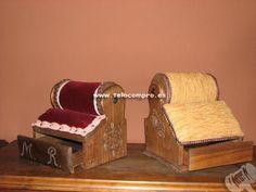 Antiguos mundillos de rulo, con cajón. España