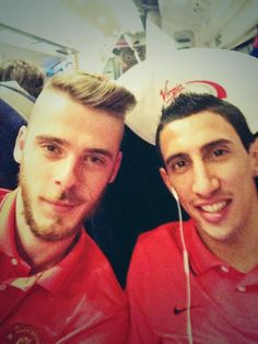 David De Gea (left) and Angel di Maria pose for a selfie ahead of their clash against Arsenal