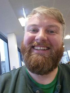 A Bearded Guy Met His Doppelganger On A Plane And Things Went Berzerk