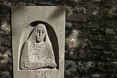 Frisch gebloggt: Roswitha von Gandersheim - die erste deutsche Dichterin. http://www.buechersammler.de/roswitha-von-gandersheim-die-erste-deutsche-dichterin/